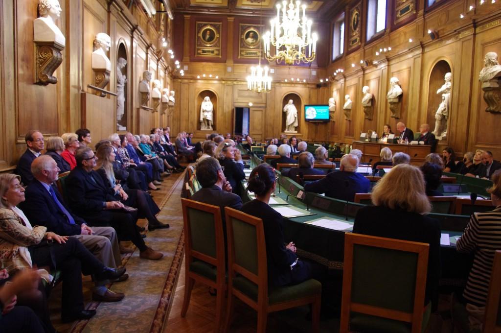 Assemblée réunie pour le premier Prix Guizot de l'Institut