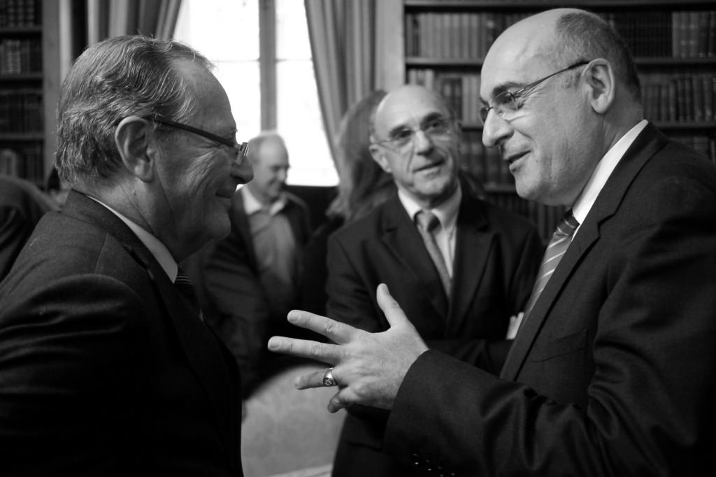 Ambroise Dupont, sénateur, Bernard Aubril, maire de Lisieux et Jean-Léonce Dupont, sénateur du Calvados, vice-président du Sénat. © François Louchet