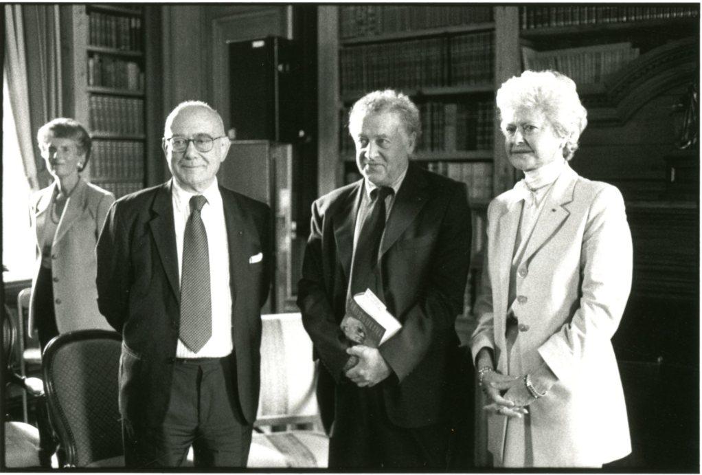 Jean-Claude Casanova, Pierre Milza, lauréat du Prix Guizot du Conseil général du Calvados 2000 et et Anne d'Ornano.